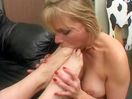exy naked chick with snake